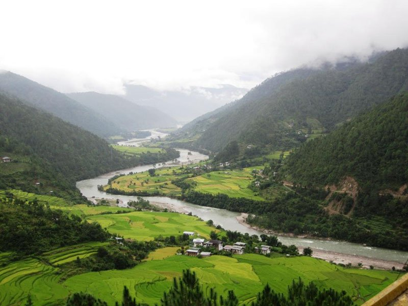 bhutan-tourism-places-to-visit-in-gangtey-valley-in-winter