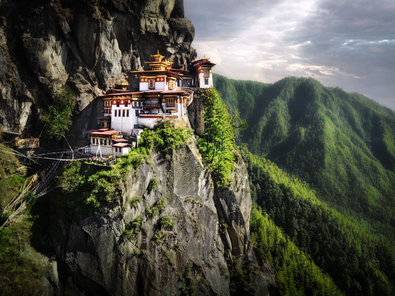 bhutan-tourism-places-to-visit-in-tiger's-nest-monastery